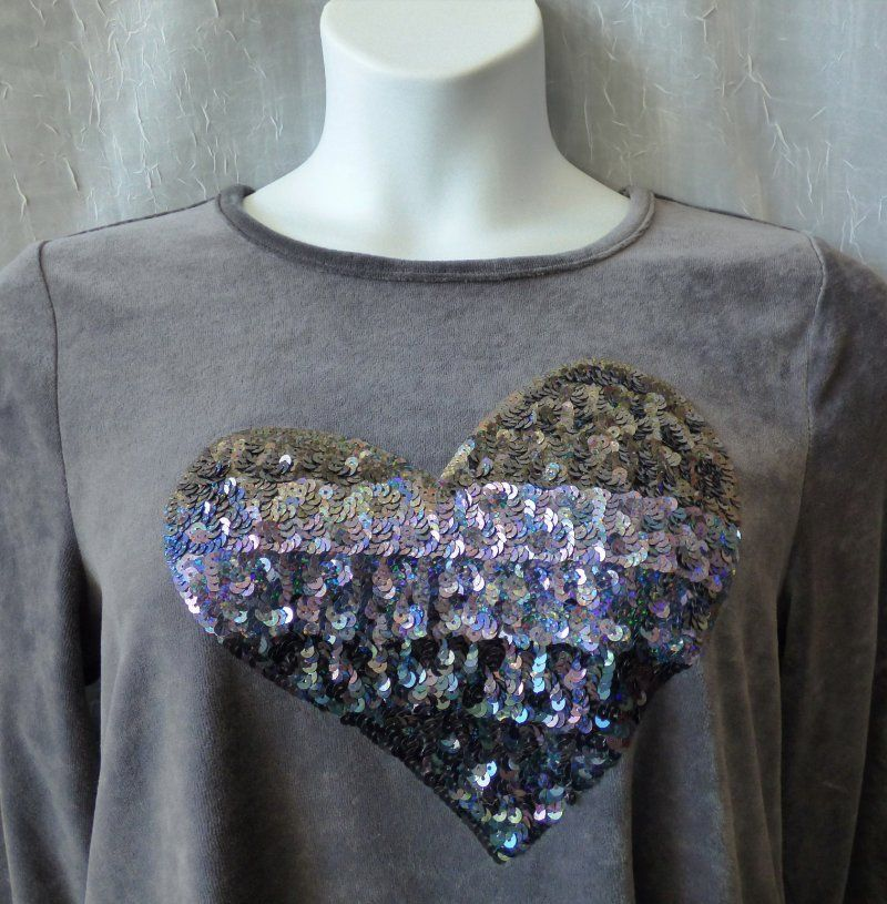 Quacker Factory L Bling Top Knit Heart Sequin Gray Cotton