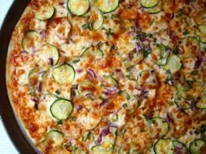 I created this pizza based on Papa Murphy's Thai Chicken DeLITE pizza. It tastes just like theirs and is so delicious!! - Thin-Crust Thai Chicken Pizza (like Papa Murphy's)