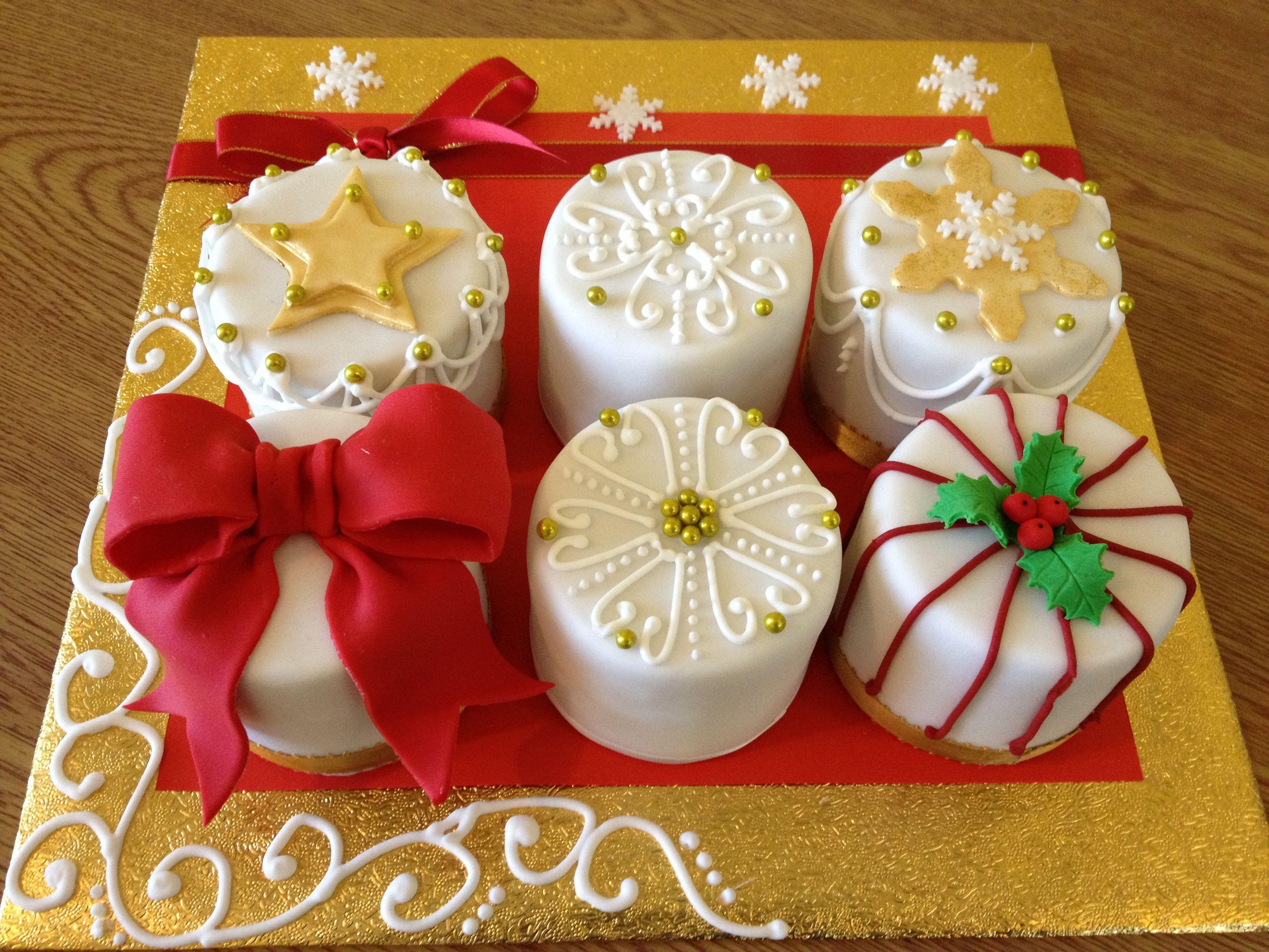 Mini Cakes / Petit Fours   Christmas cake, Mini christmas cakes, Christmas cake decorations