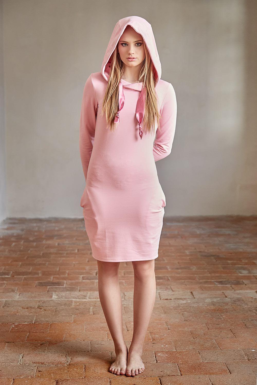 2f468b0b3a7 Růžové+šaty+Růžové+šaty+z+jemné+teplákoviny+s+kapucí+a+kapsami.+Vel ...