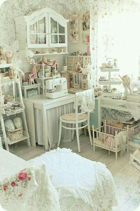 shabby chic craft sewing room shabby chic decor pinterest zimmer einrichten. Black Bedroom Furniture Sets. Home Design Ideas