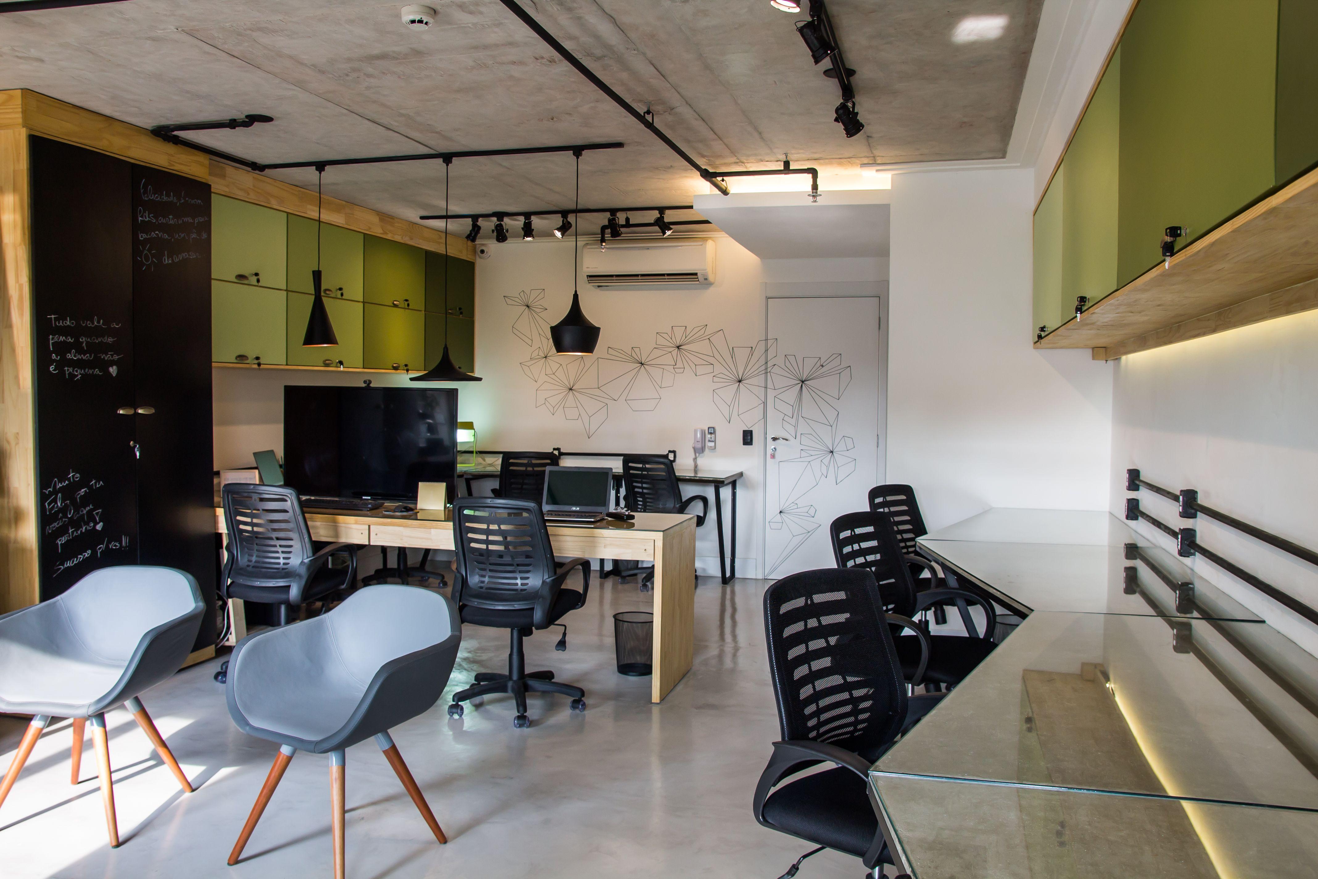 Trilhos energizados para a ilumina o e o teto no concreto for Stylische bilder wohnzimmer