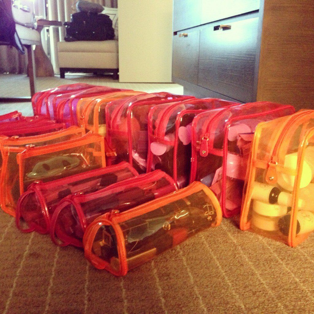 LeAnn Rimes Cibrian travels chic (and organized!) with an