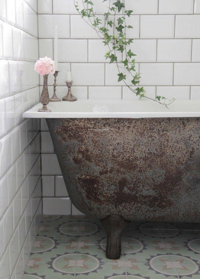 Nya Badrummet Underbaraclara Rusty Bath And Tiles Love It