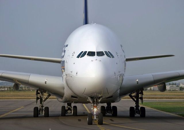 I always love this giant plane. A380...✈
