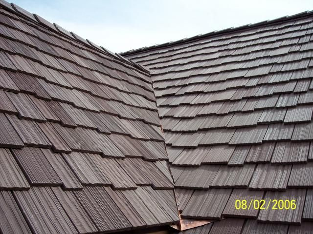 Metal Roof That Looks Like Shingles Roof Shingles Come In All Shapes And Sizes Roof Shingles Roofing Shake Roof