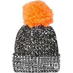 Boys black large pom pom beanie hat  5e43ab79103