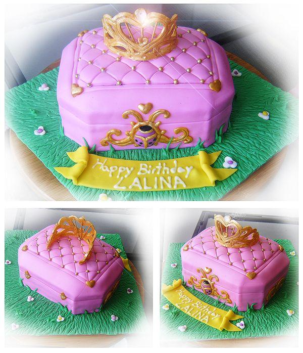 pink jewelry box cake by Cakerific on DeviantArt Bellas Birthday