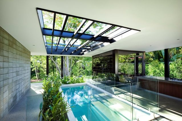 Charles Wright Architects - The pool opens out to the garden.