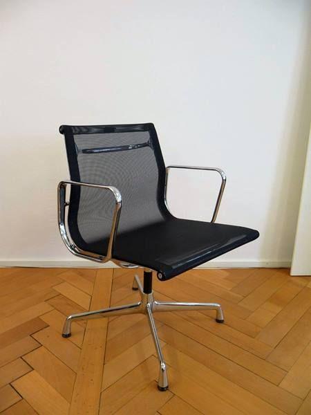 Aluchair Von Vitra Aluchair Mod 108 Original Von Vitra Design Charles Eames 1958 Mit Armlehnen Drehbar Gestell Verchromt Design Wohnen Designklassiker