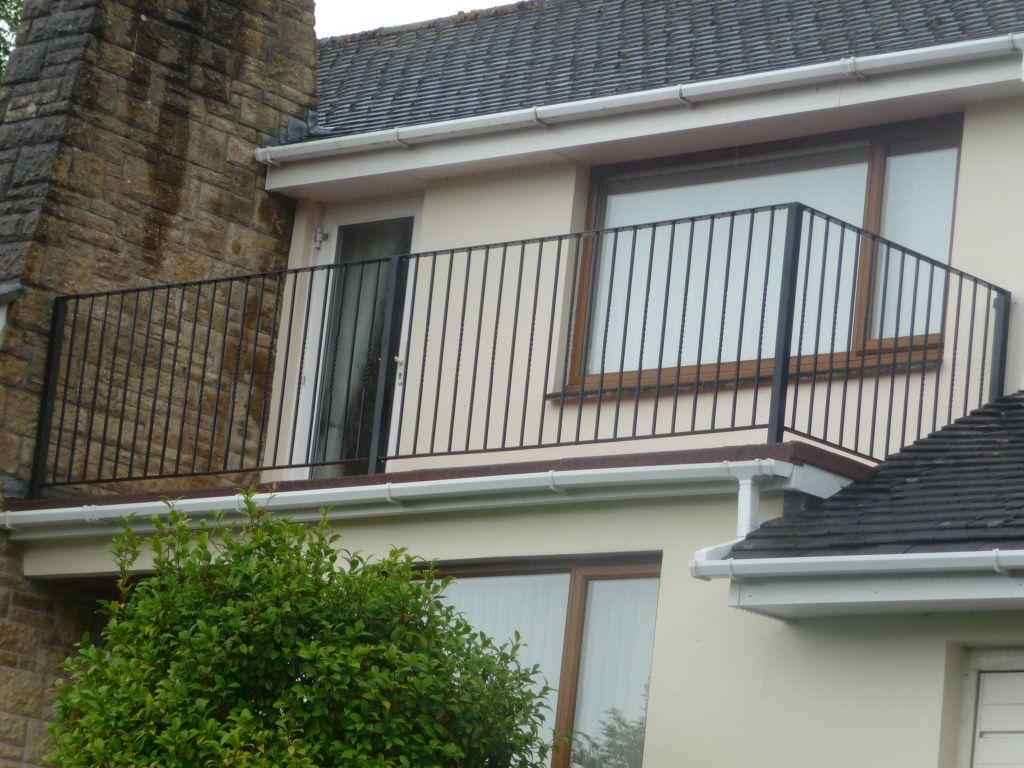 Modern Metal Balcony Railing