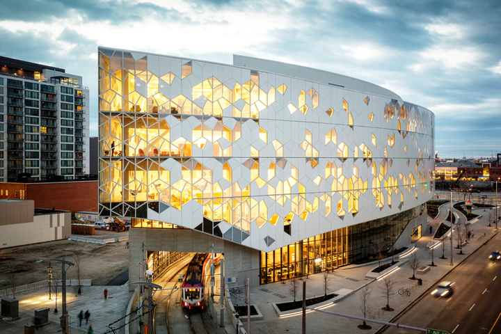 Calgary Event Venues For Winter 2019 In 2020 Library Architecture Facade Architecture Central Library