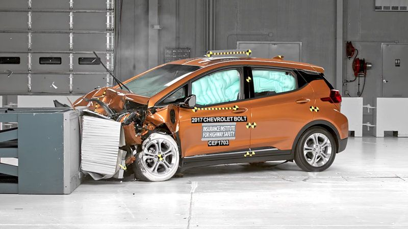 Watch The Chevy Bolt Earn Iihs Top Safety Pick Crash Rating