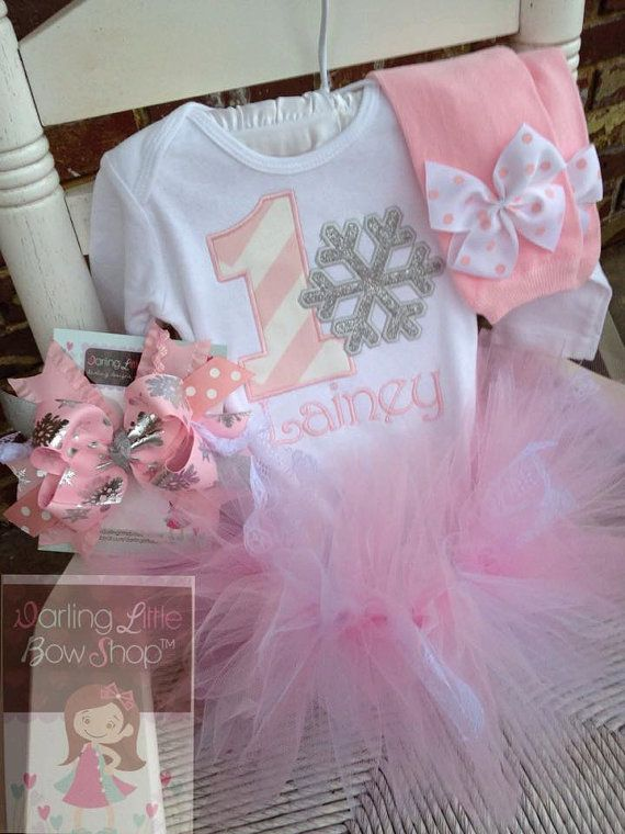 Winter Onederland outfit,Snowflake Birthday,1st Birthday pink silver tutu,Silver Birthday,Baby Outfit Snowflake Tutu,pink silver leg warmers