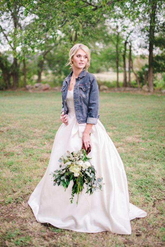 23 Arten Eine Jeansjacke An Ihrer Hochzeit Zu Schaukeln Inspiration