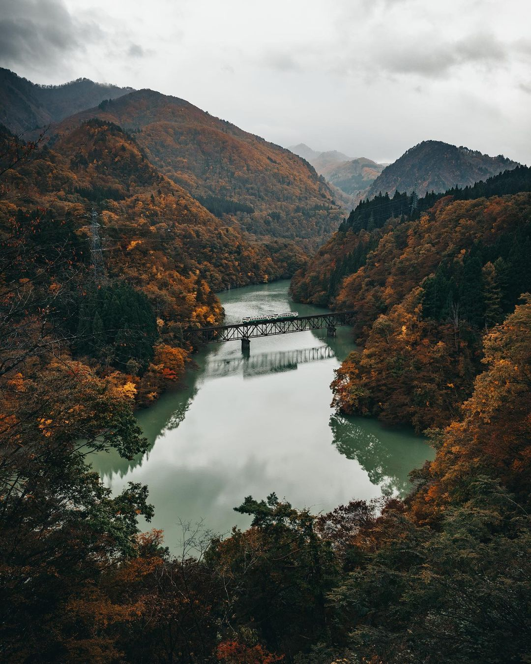 "Yusuke Kubota on Instagram: ""Autumn season in Fukushima🚃🍁 . . . . . . . #way2ill #visualambassadors #AGameoftones #artofvisuals #shotzdelight #tokyocameraclub…"""