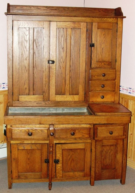 Best Kitchen In 1910 The Finish Is In Excellent Condition 400 x 300