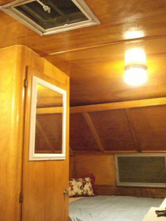 DB with upper bunk