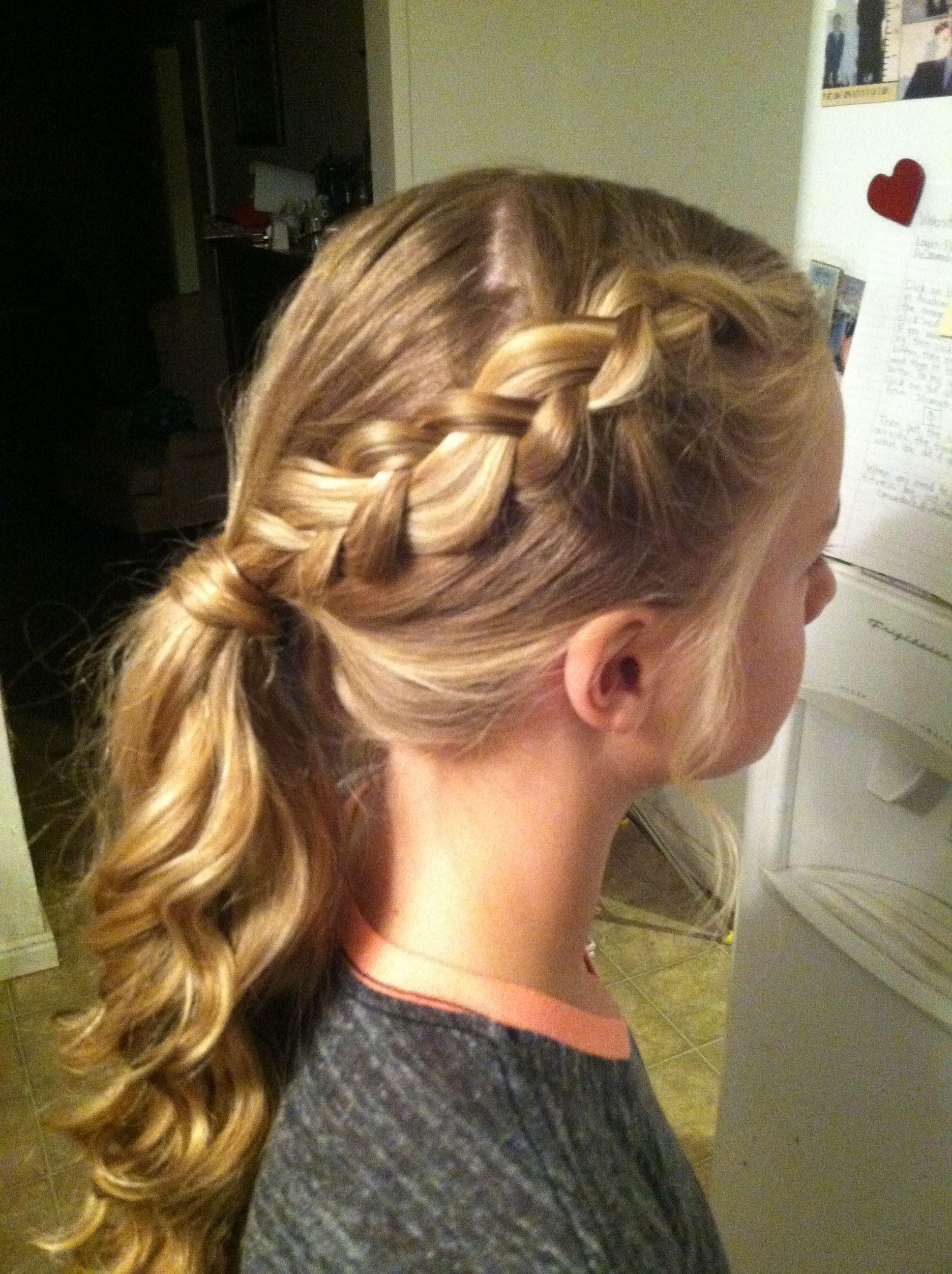 Braid into curly ponytail festligheter pinterest curly