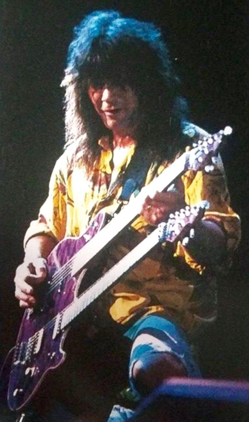 Pin By Chris Archevald On Evh The King Eddie Van Halen Van Halen Van Halen 5150
