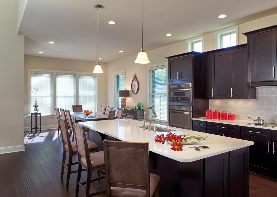This light and bright kitchenu0027s open plan