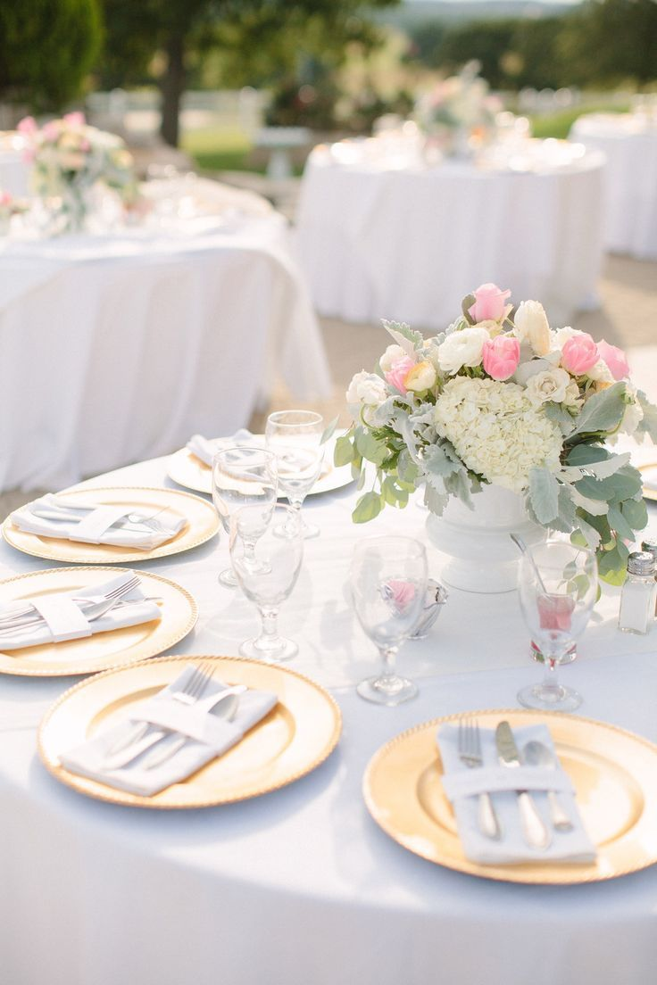 gold plates and pretty pink and white #centerpieces | Photography ...