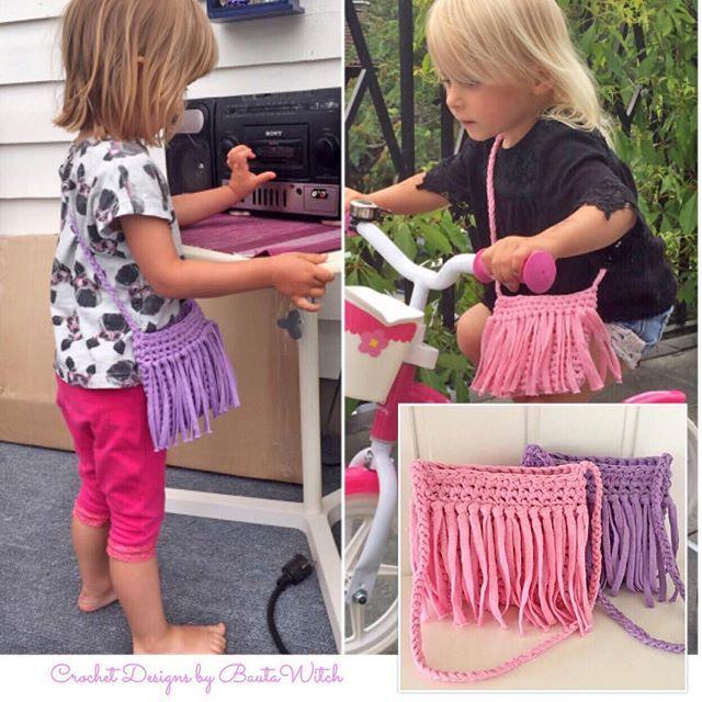 Nu ligger mönstret ute i bloggen på min barnväska med fransar virkad i  Ribbon XL! Välkommen! ❤ BautaWitch.se  virka  virkat  virkmönster   bautawitch ... b9f82de762ac9
