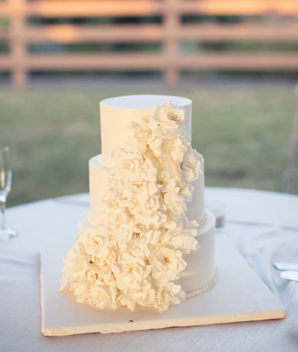 mini wedding cake | Cake and other wedding desserts | Pinterest ...