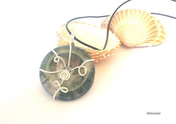 Collier pendentif donut pierre fine Agate mousse par Artecoeur