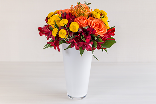We supply spectacular bouquets of fresh, mixed, seasonal