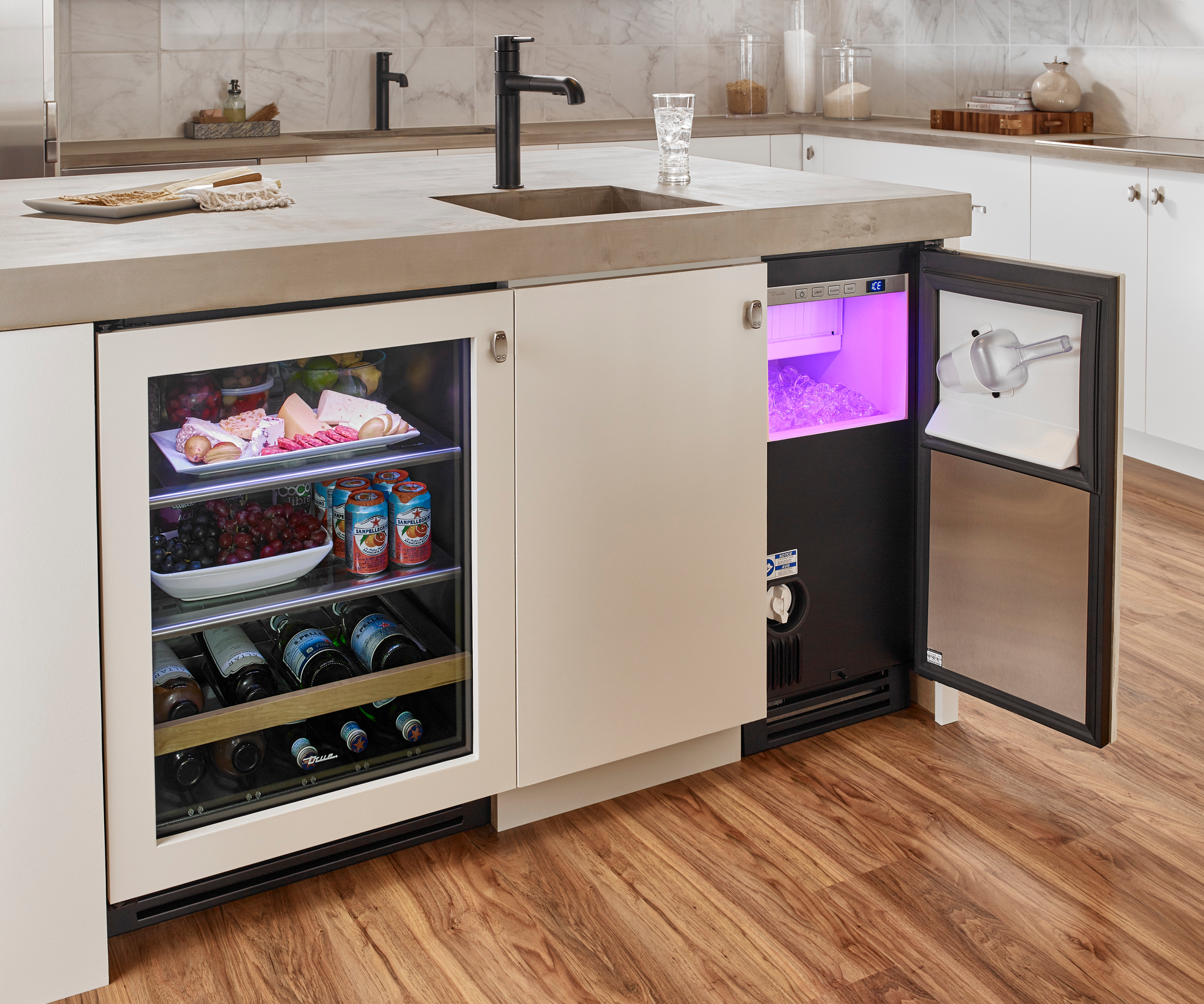 True Clear Ice Machine For Residential Pro This Undercounter Ice Machine Is The Highest Performing Most Energy Kitchen Clear Ice Machine Concrete Countertops