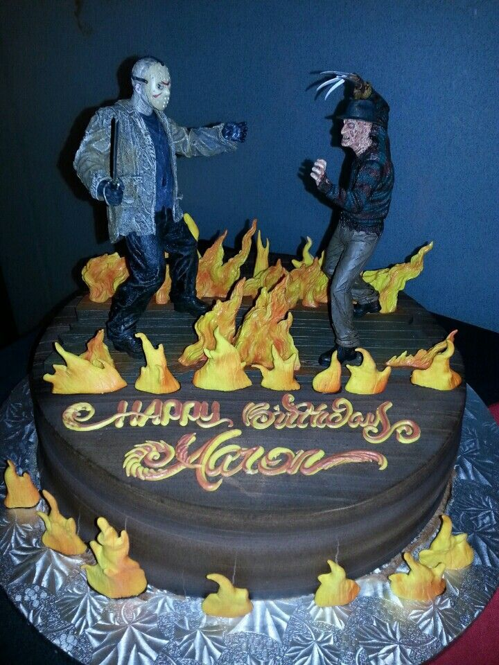 Freddy vs jason cake it came out perfect