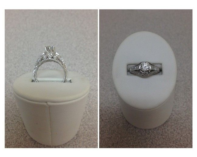 Beautiful Engagement Ring that any woman would LOVE!