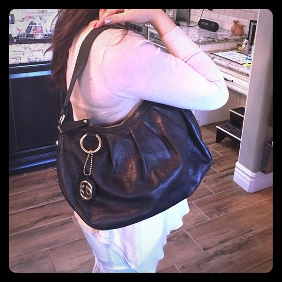 Gucci black bag! Good condition! Just used a little inside of bag! No stains on the outside! Leather Gucci Bags Shoulder Bags
