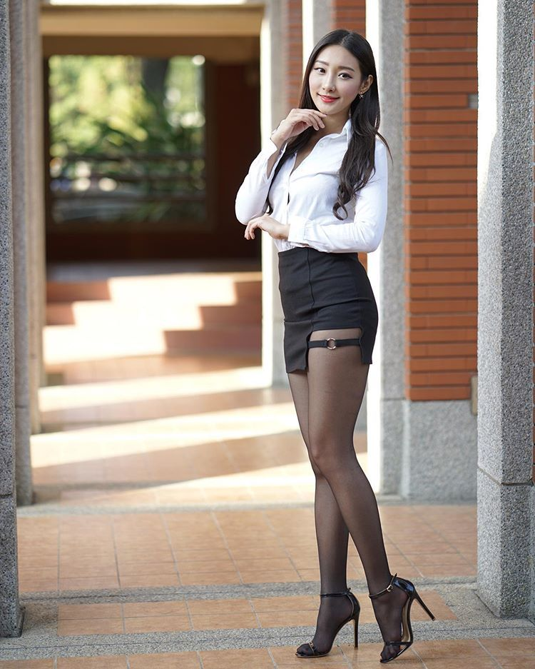 Asians In Pantyhose
