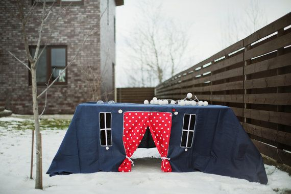 Evening fairytale the tablecloth house. It welcomes the fantasy world of your little ones.    Its a perfect summer accessory, which will grant hours