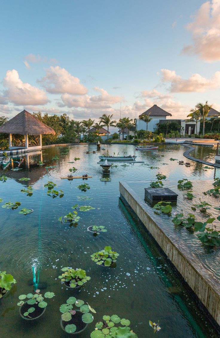 33 Stunning Photos of Bali's Most Beautiful Luxury Beachside Resort - lobby.