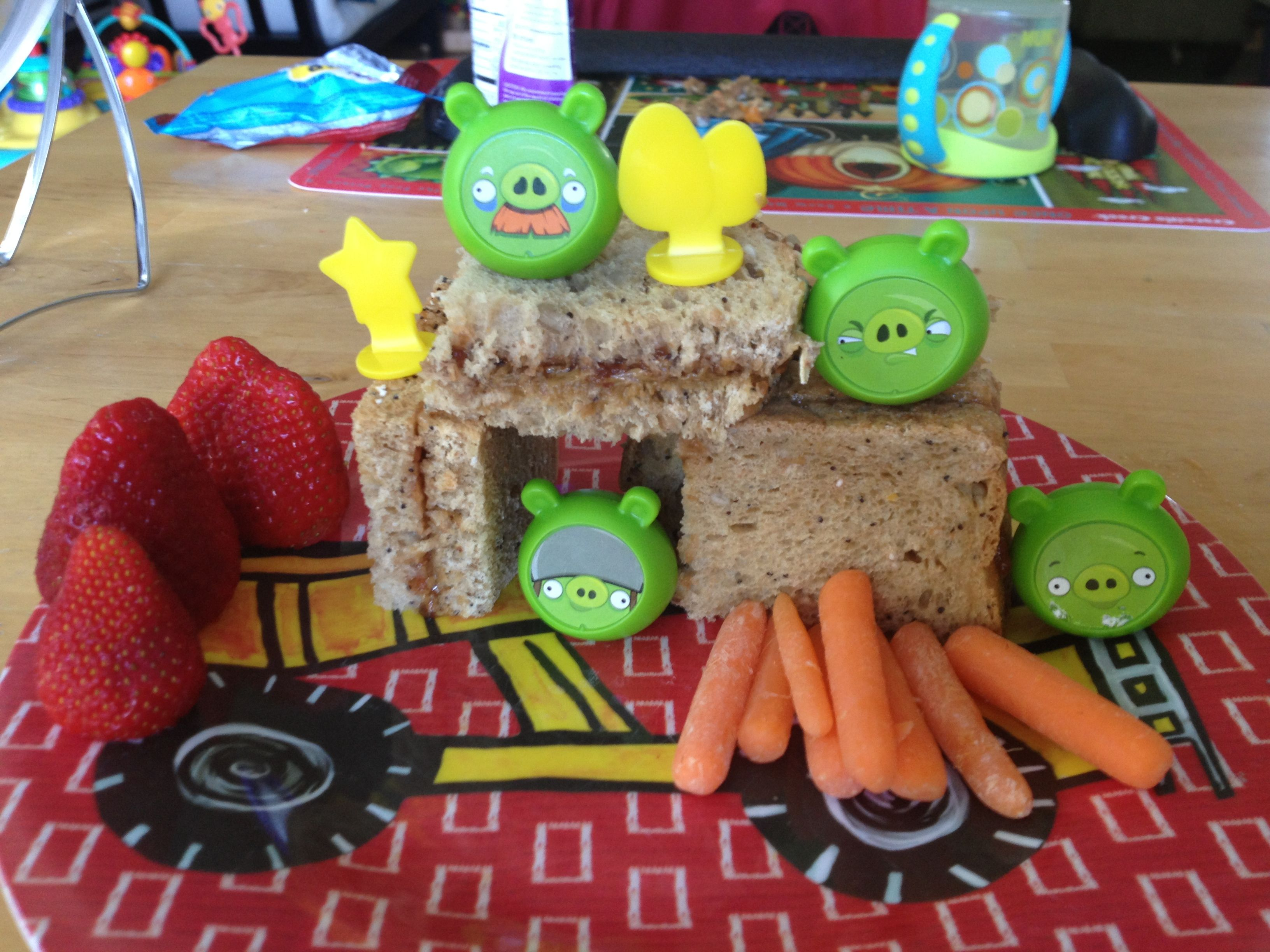 Who says you can't play with your food? Angry Birds lunch!