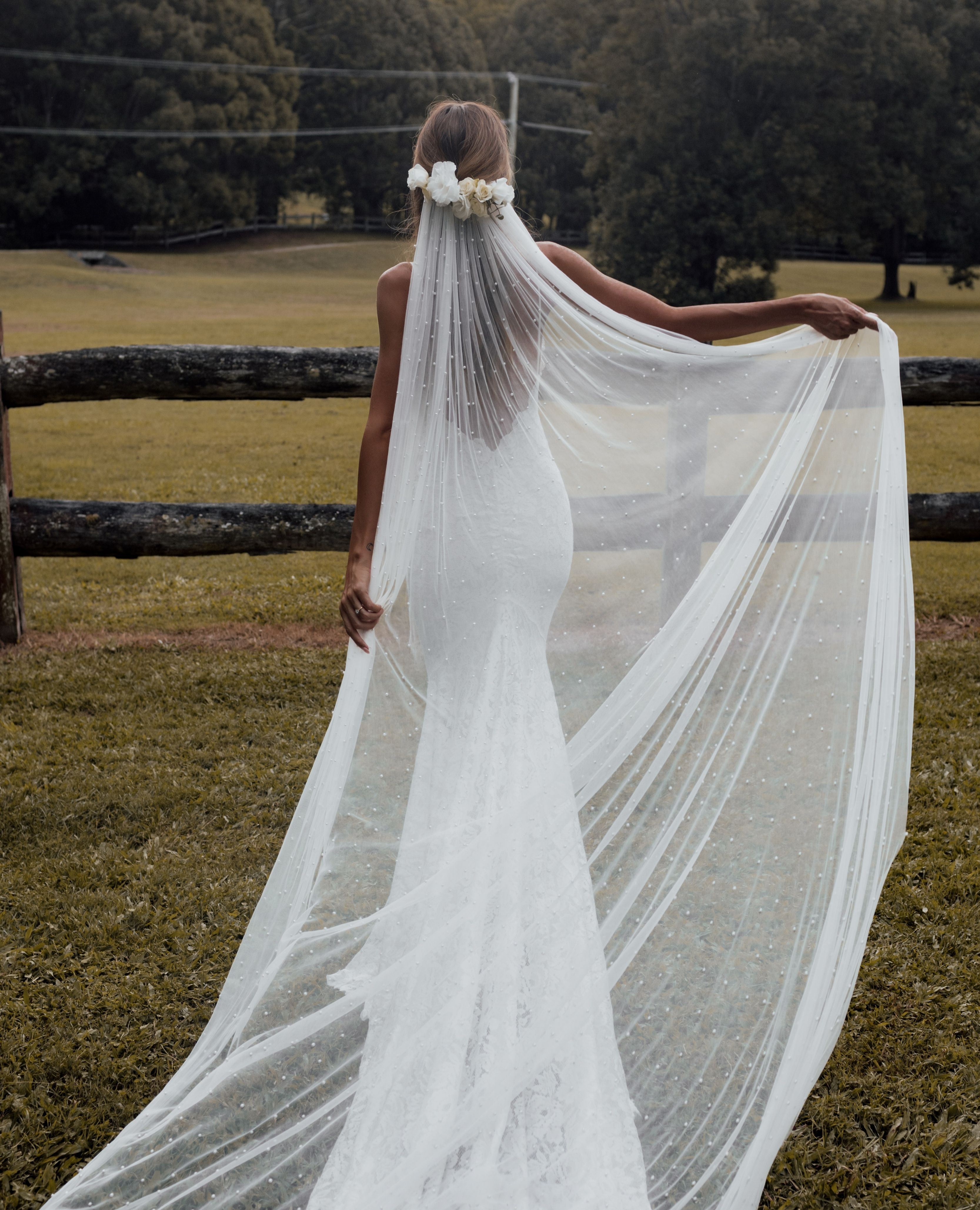 Wedding Veils Long Short Bridal Veils Grace Loves Lace Long Veil Wedding Country Wedding Dresses Wedding Dresses Images [ 4115 x 3333 Pixel ]