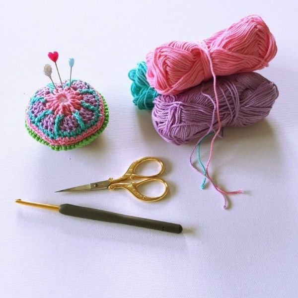 mini mandala pin cushion free crochet pattern | Breien en haken ...
