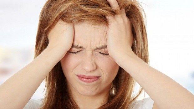 Croste in testa in adulti e neonati: le cause e i rimedi
