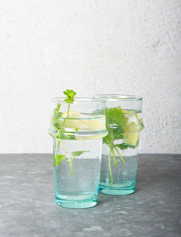 Tolle Wassergläser aus recycling Glas in zwei unterschiedlichen ...