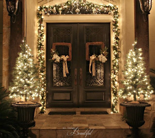 Pin By Jane Bowers On Home For The Holidays Front Door Christmas Decorations Outdoor Christmas Decorations Christmas Front Doors