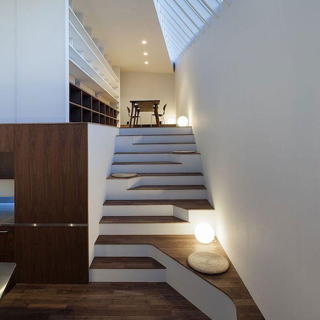 Designer Treppen asymmetric staircase incorporates sitting areas cool home design
