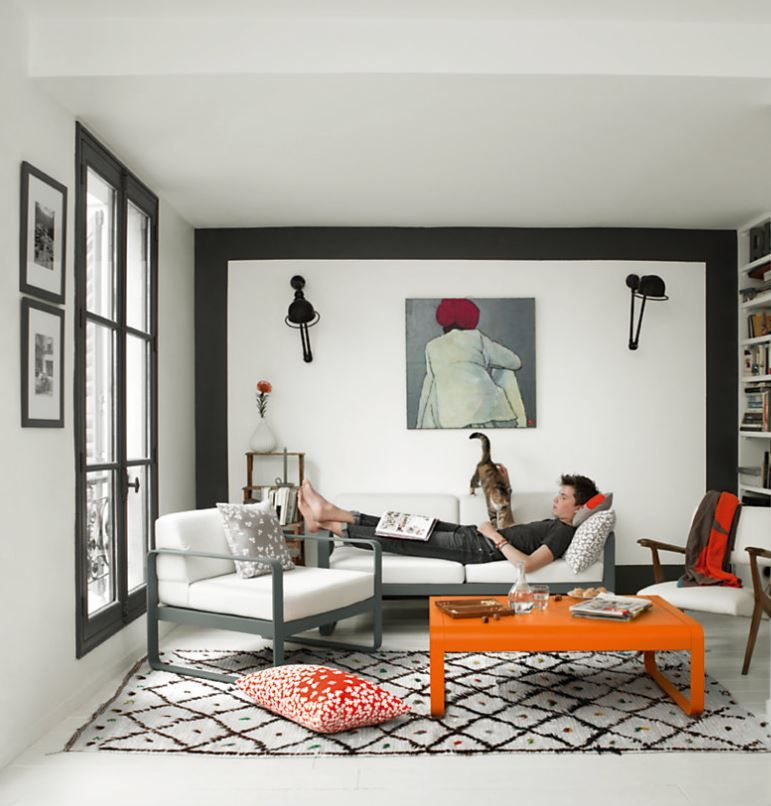 Table basse, canapé et fauteuil de la collection Bellevie de chez ...