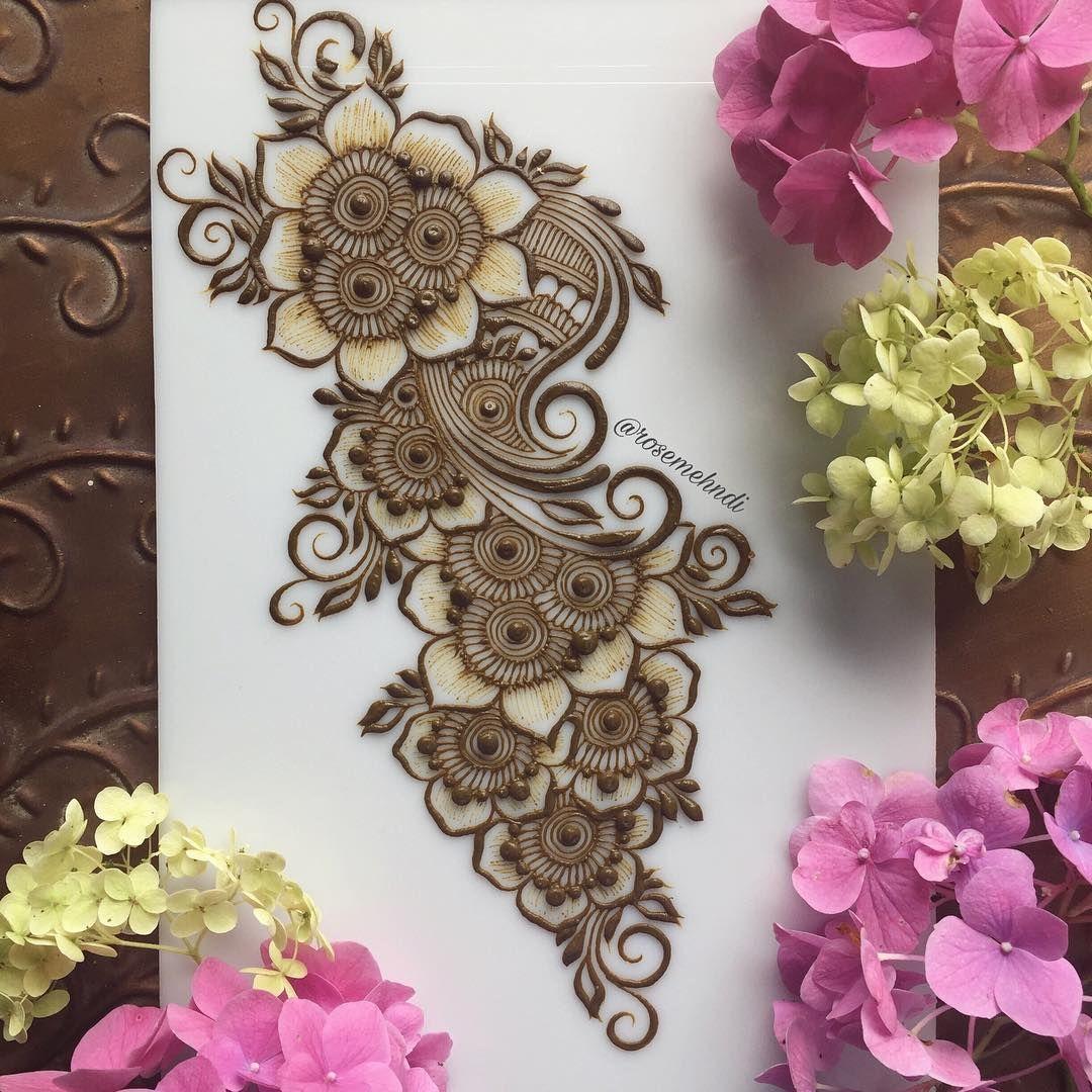 Pin By Moubashirah On Henna Mehndi Pinterest Henna Designs