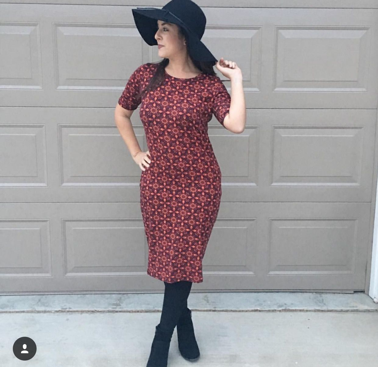 LuLaRoe fashion is comfortable, versatile, and chic. Julia dress.  Styling by LuLaRoe Pris and Julie.