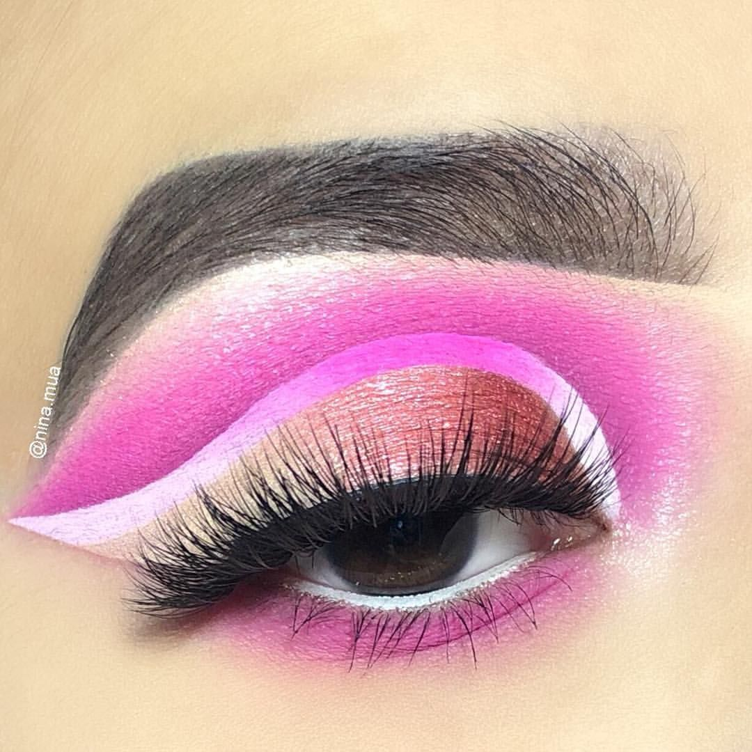 pink eyeshadow with ombré liner using the morphe x james