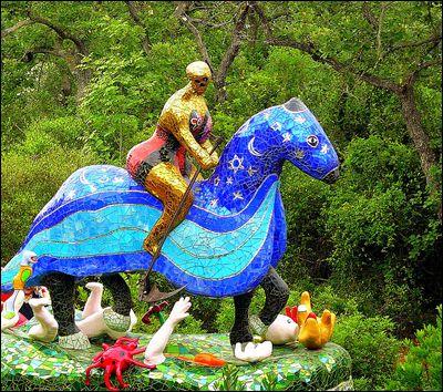 Le Jardin Des Tarots L Echo Des Ecuries Niki De Saint Phalle Saint Tarot