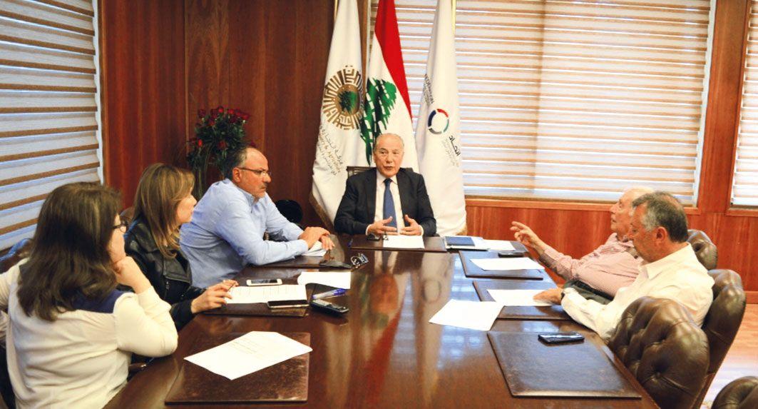 هيئة مكتب غرفة طرابلس والشمال المصادقة على قطع حسابات عام 2018 ومشروع موازنة 2019 Kotatsu Table Table Kotatsu